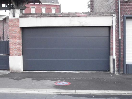 Panneau lisse aspect polygrain ral 7016 for Porte de garage aludoor