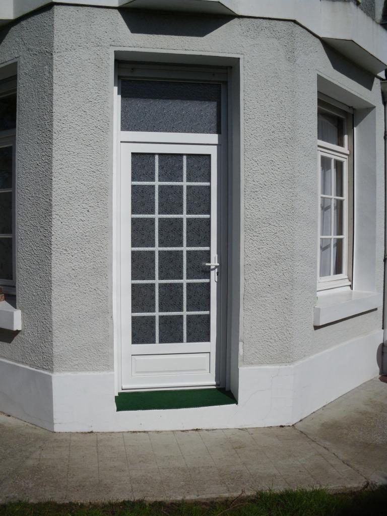 Porte d'entrée en PVC
